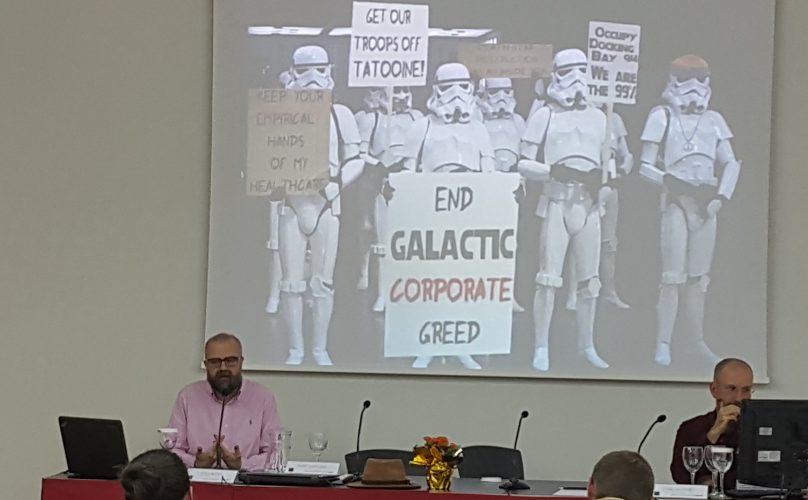 "Juan Royo. Universidad. ""Responsabilidad Social Corporativa y TA""."""